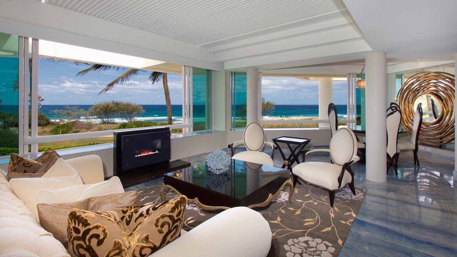 Royal-Suite-Lounge---Open