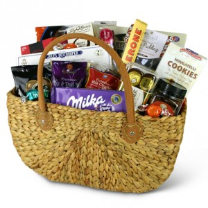 gift-basket-chocoholic-heven-inside-basket